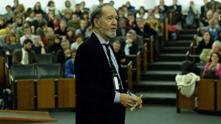 Jared Diamond: The Internet Destroys (& Saves) Endangered Languages